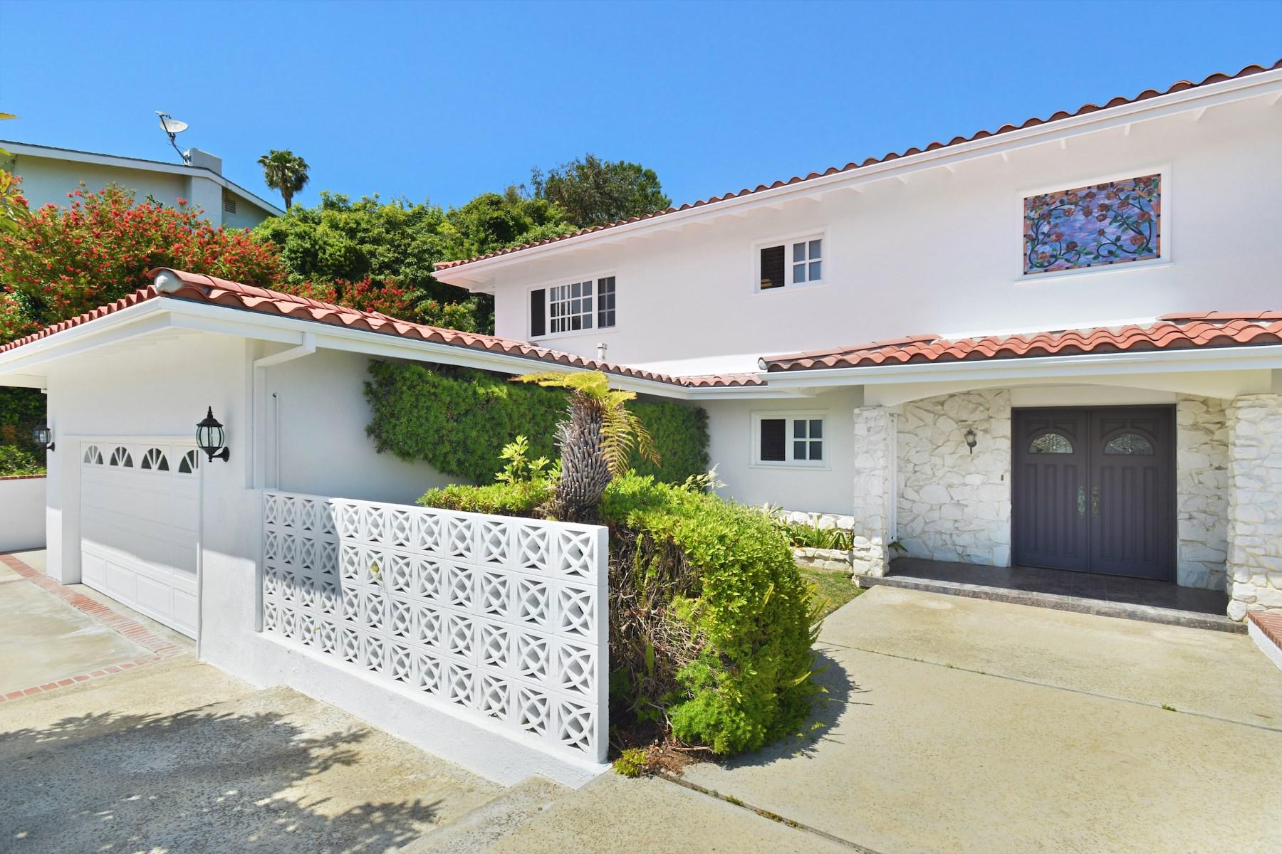 Casa para uma família para Venda às Ocean View Mediterranean 18025 Sandy Cape Drive Pacific Palisades, Califórnia, 90272 Estados Unidos