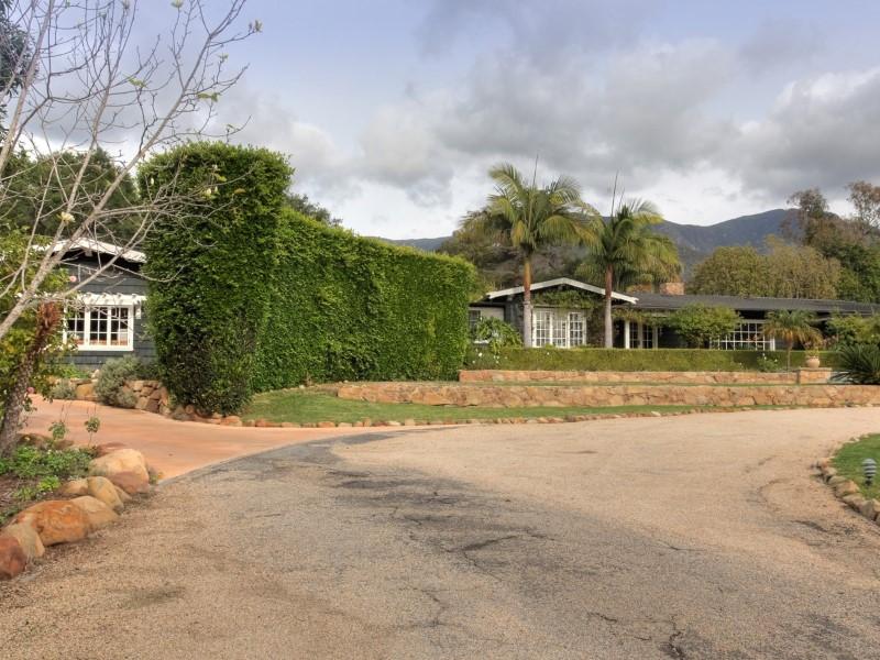 단독 가정 주택 용 매매 에 Restored Craftsman Montecito - Upper Village, Santa Barbara, 캘리포니아 93108 미국