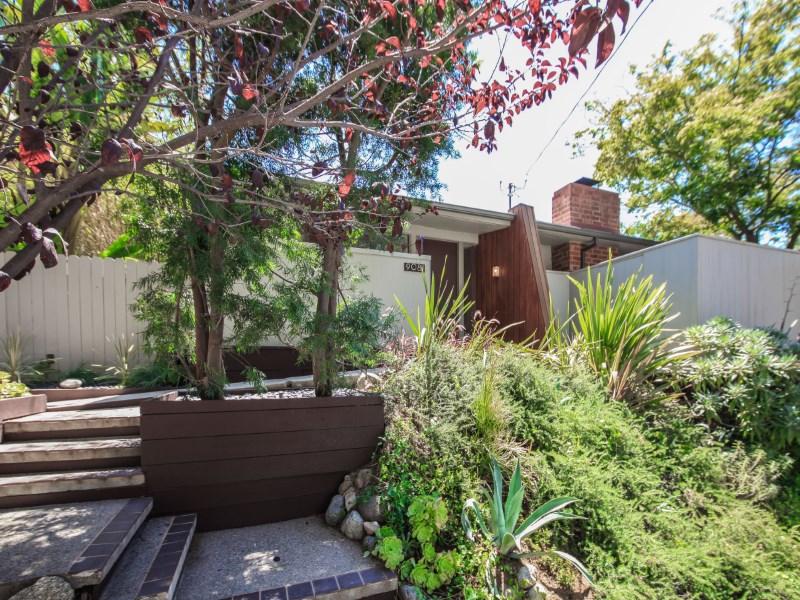 Частный односемейный дом для того Продажа на Exquisite Mid-Century Modern Home 9081 Wonderland Park Ave. Los Angeles, Калифорния 90046 Соединенные Штаты