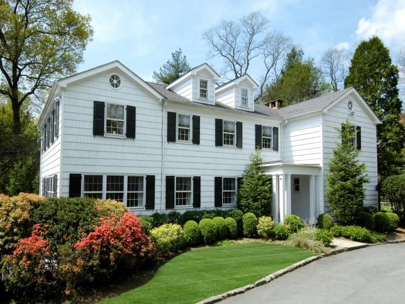 Maison unifamiliale pour l Vente à Grace and Tranquility 20 Windabout Drive Central Greenwich, Greenwich, Connecticut 06830 États-Unis