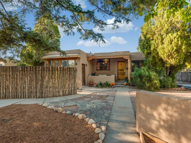 Maison unifamiliale pour l Vente à 1953 Osage Drive Santa Fe City Southwest, Santa Fe, New Mexico 87505 États-Unis
