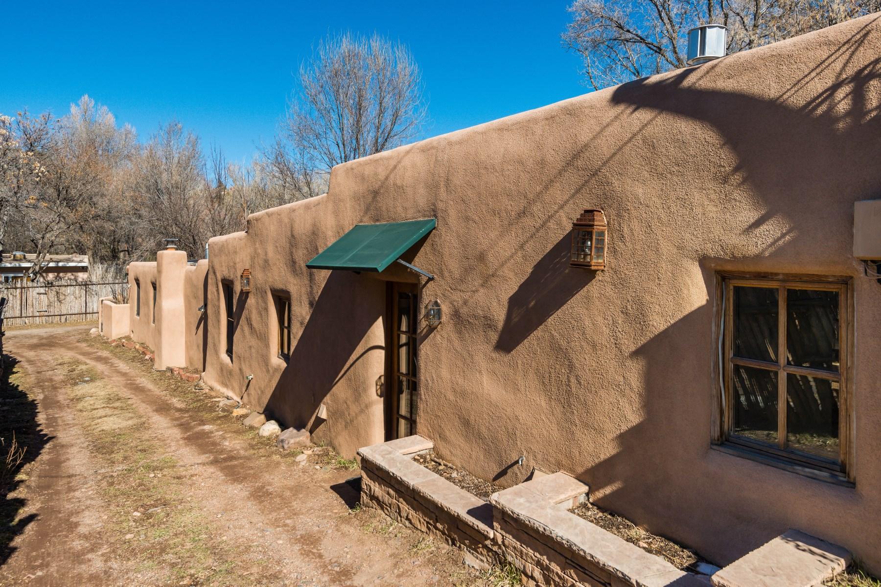 Moradia para Venda às 945 Canyon Road Santa Fe, Novo México, 87501 Estados Unidos