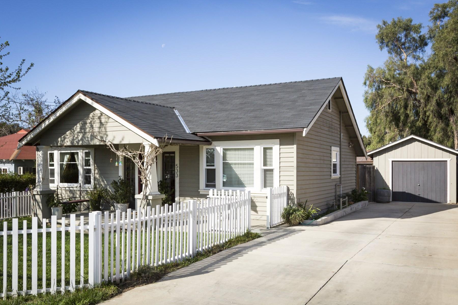 Vivienda unifamiliar por un Venta en Historic Craftsman 533 Pine Street Solvang, California 93463 Estados Unidos