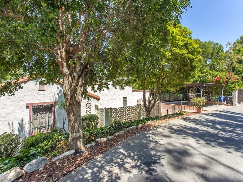 Vivienda unifamiliar por un Venta en Once in a Lifetime Opportunity 2374 Hollyridge Drive Los Angeles, California 90068 Estados Unidos