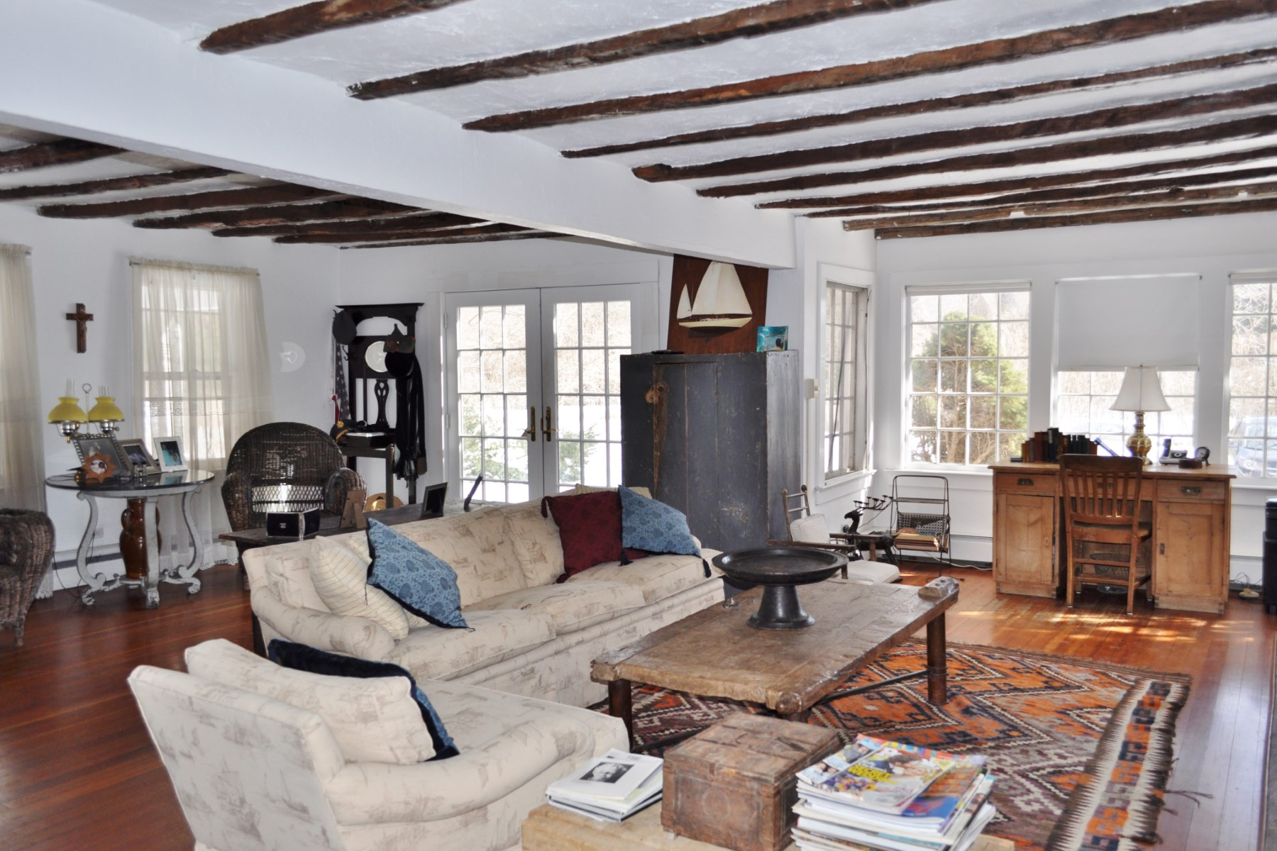 Property Of Amagansett Village Charmer