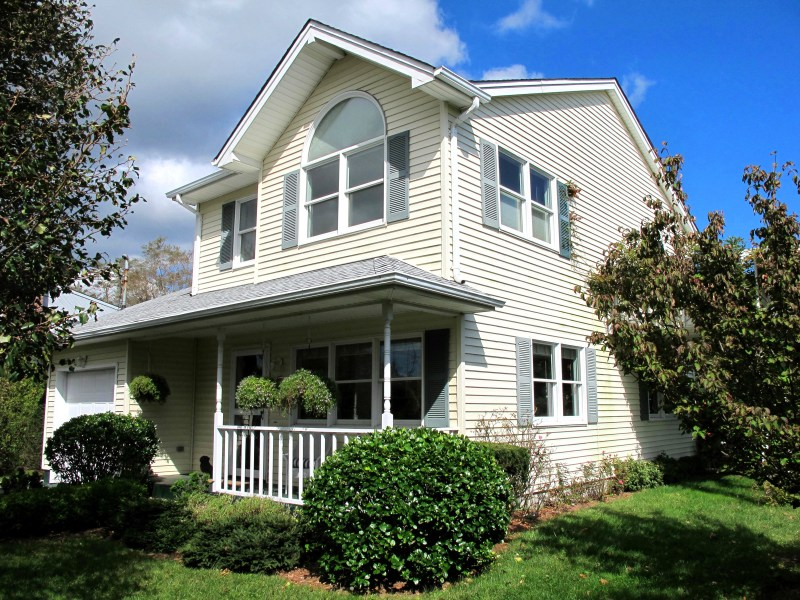 Single Family Home for Rent at Country Charm Southampton, New York, 11968 United States