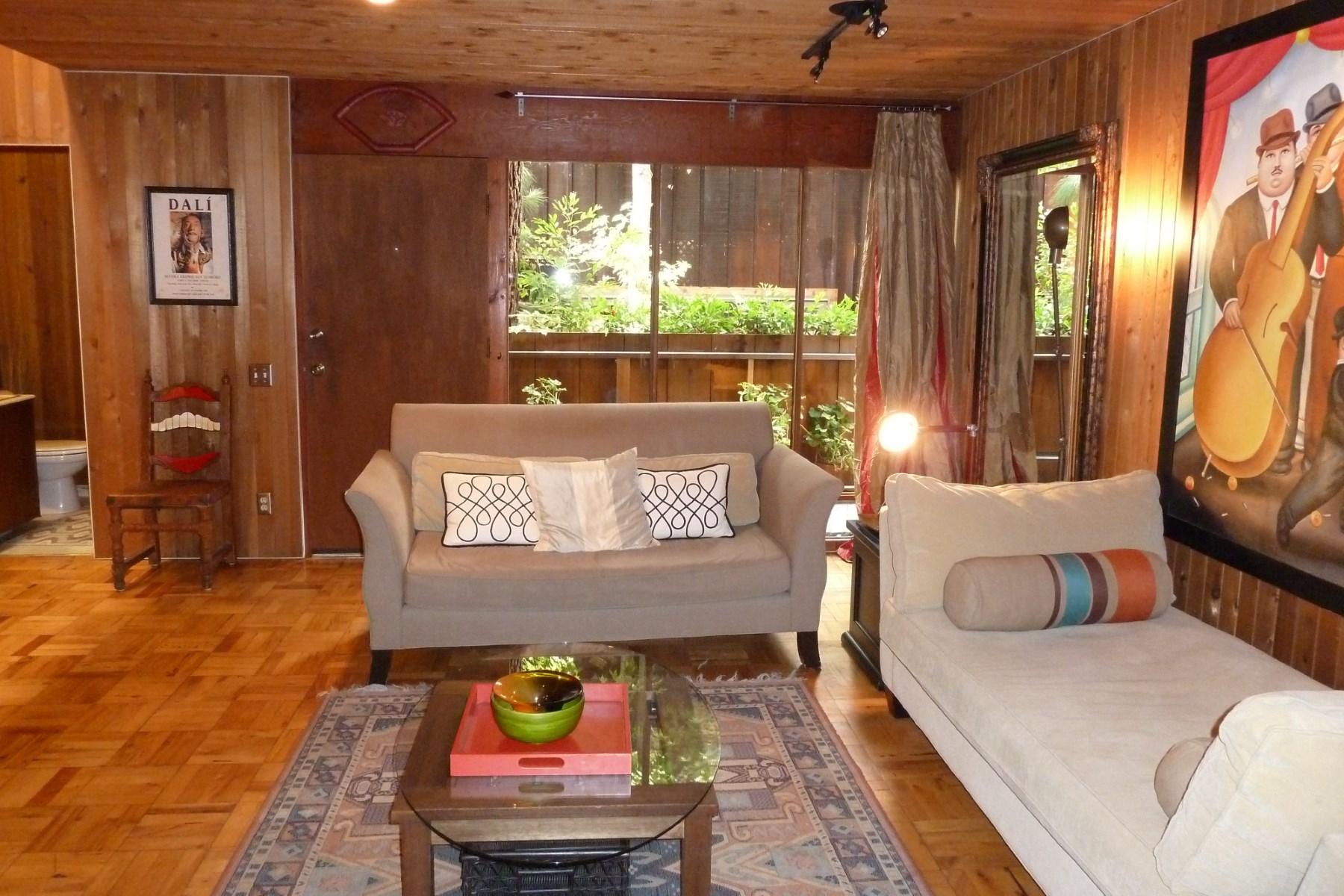 Konak için Satış at 11612 Chenault Street 11612 Chenault St #2 Brentwood, Los Angeles, Kaliforniya 90049 Amerika Birleşik Devletleri