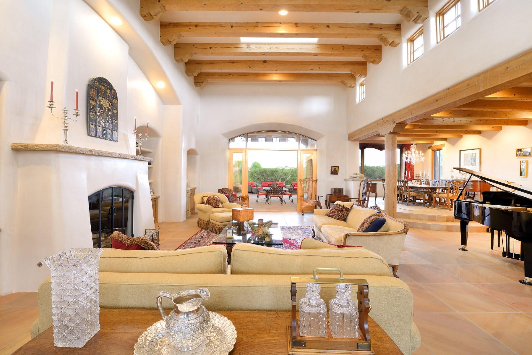 Maison unifamiliale pour l Vente à 8 Starlight Circle Las Campanas & Los Santeros, Santa Fe, New Mexico 87506 États-Unis