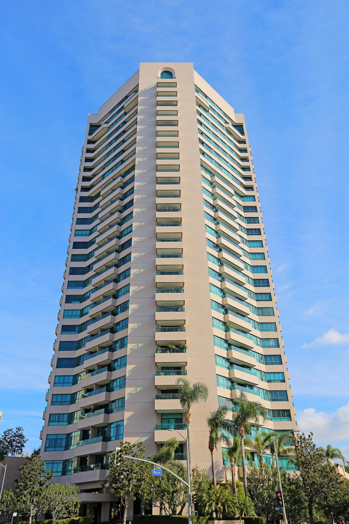 Property For Sale at Beautiful Condo with Panoramic Views