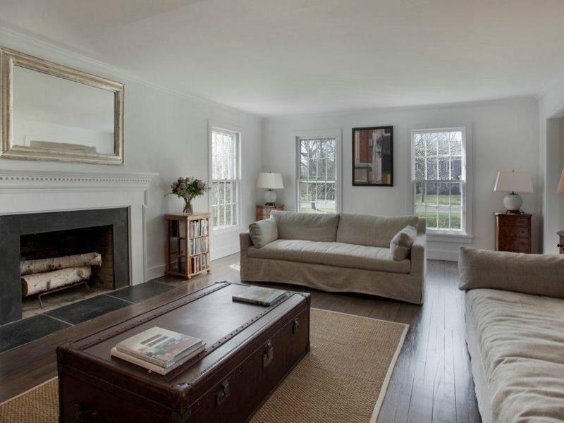 Einfamilienhaus für Vermietung beim Rented - Gorgeous Village Traditional East Hampton Village, East Hampton, New York 11937 Vereinigte Staaten