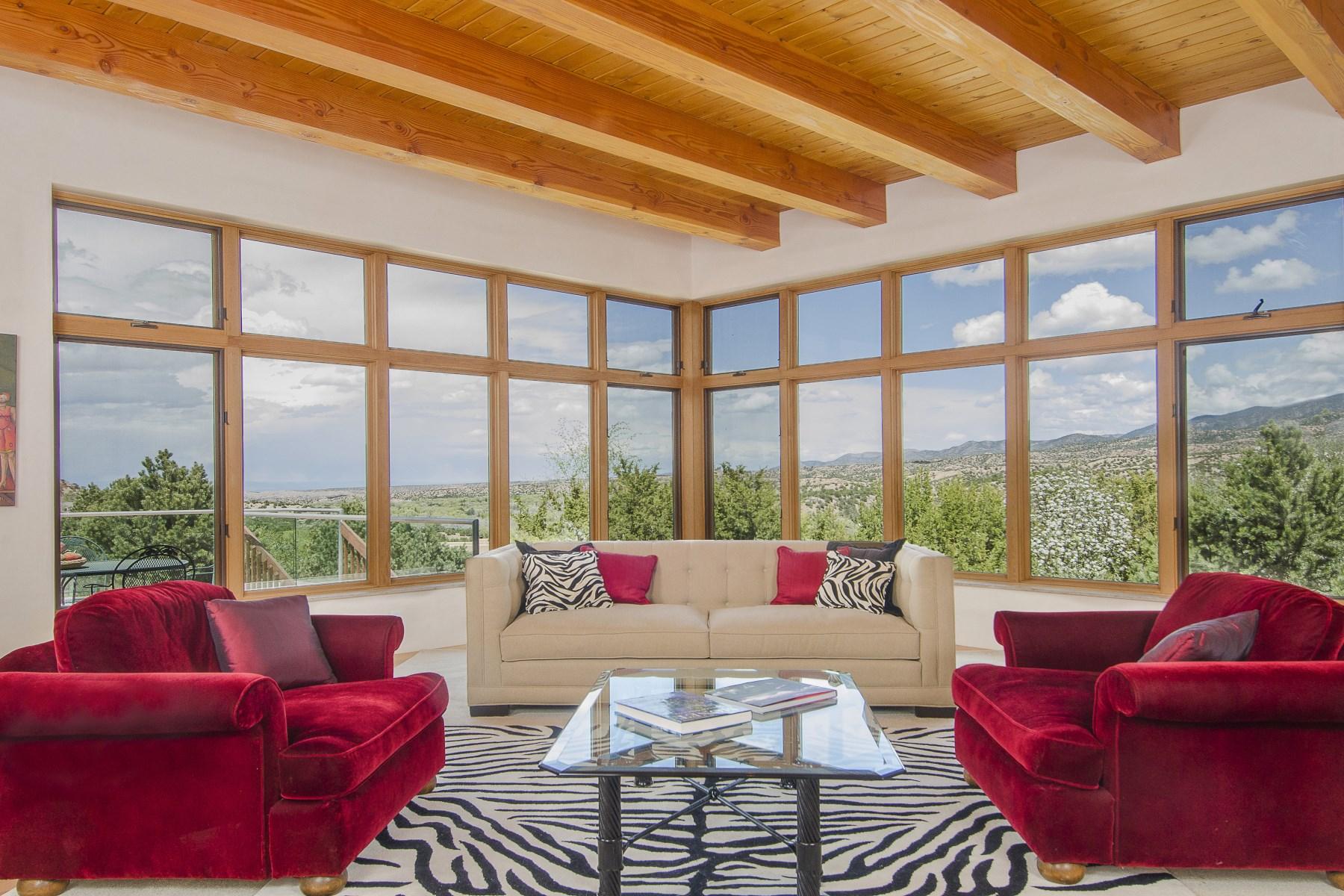 Maison unifamiliale pour l Vente à 40 Palo Duro Road Santa Fe, New Mexico 87506 États-Unis