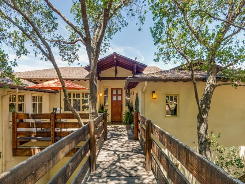 Casa Unifamiliar por un Venta en Fernwood Craftsman 1273 Fernwood Pacific Drive Topanga, California 90290 Estados Unidos