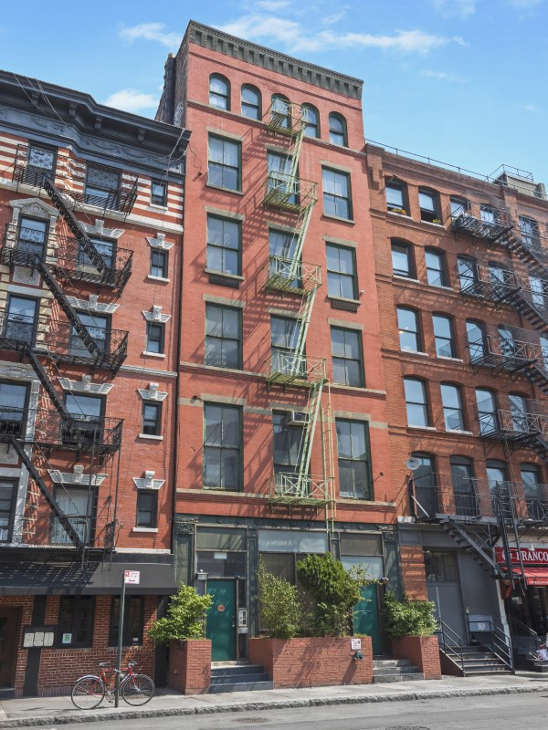 Casa Unifamiliar Adosada por un Venta en 124 West Houston Street West Village, New York, Nueva York 10012 Estados Unidos
