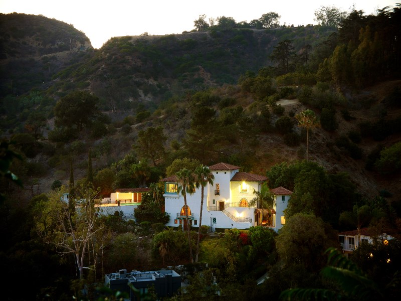 Casa Unifamiliar por un Venta en 4115 Dundee Drive Los Feliz, Los Angeles, California 90027 Estados Unidos