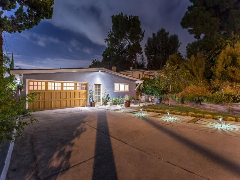 Single Family Home for Sale at Eco-Friendly Zen Retreat 4649 Lowell Avenue La Crescenta, California 91214 United States