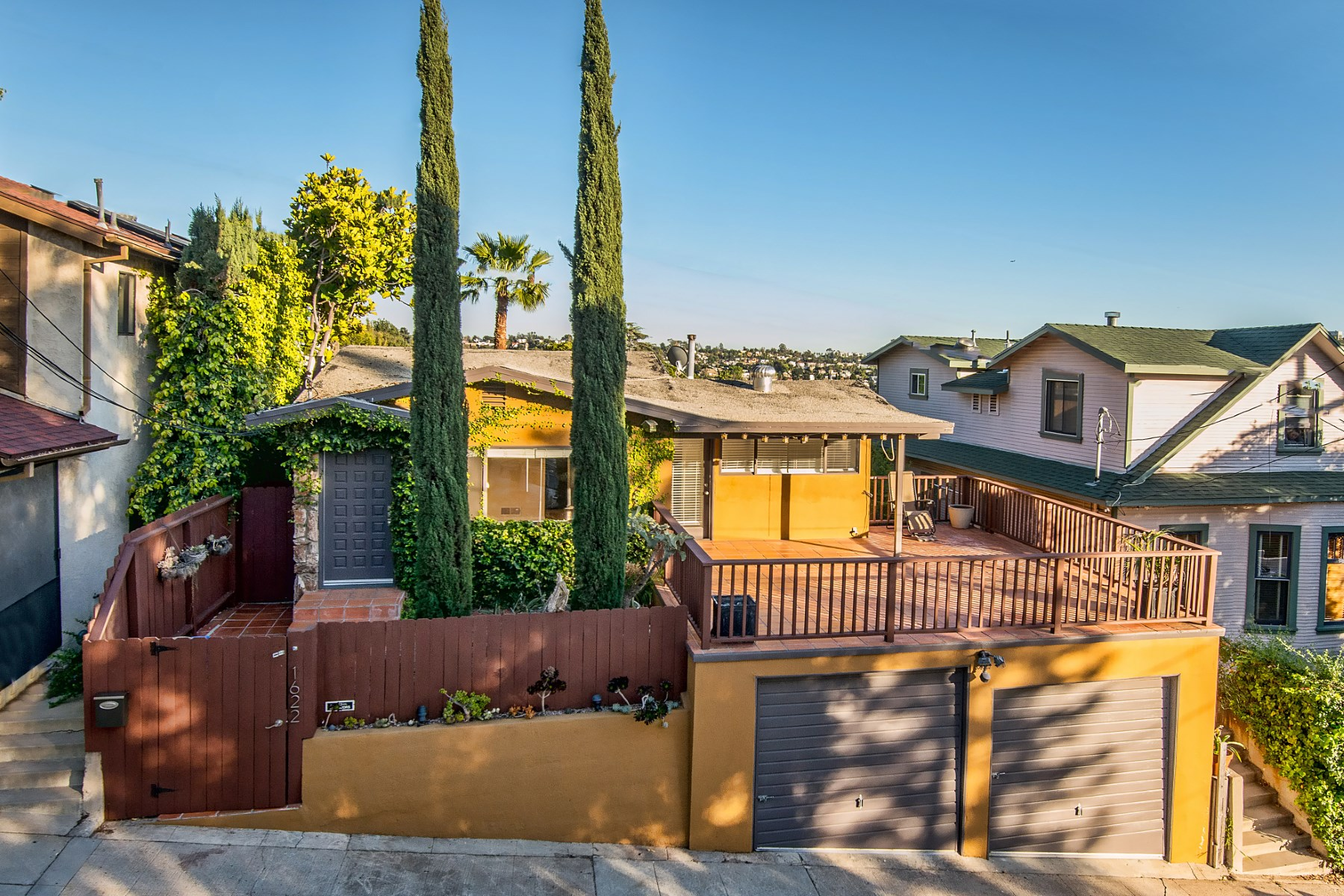 Single Family Home for Sale at A Retreat In The Heart of Silver Lake 1622 North Benton Way Silver Lake, Los Angeles, California, 90026 United States