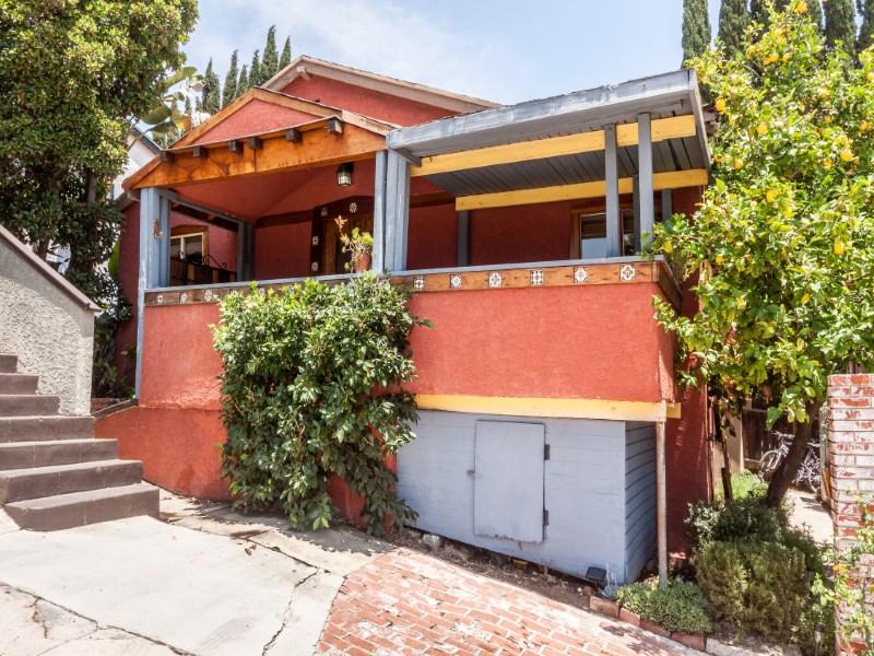 Tek Ailelik Ev için Satış at Charming 1921 Echo Park Bungalow 1823 Echo Park Avenue Echo Park, Los Angeles, Kaliforniya 90026 Amerika Birleşik Devletleri