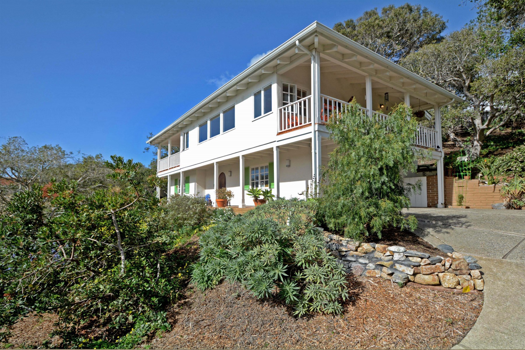 Moradia para Venda às Carmel Views 26282 Atherton Drive Carmel, Califórnia 93923 Estados Unidos