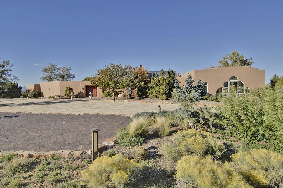 Single Family Home for Sale at 21 Goodnight Trail West Northwest Of City Limits, Santa Fe, New Mexico 87506 United States