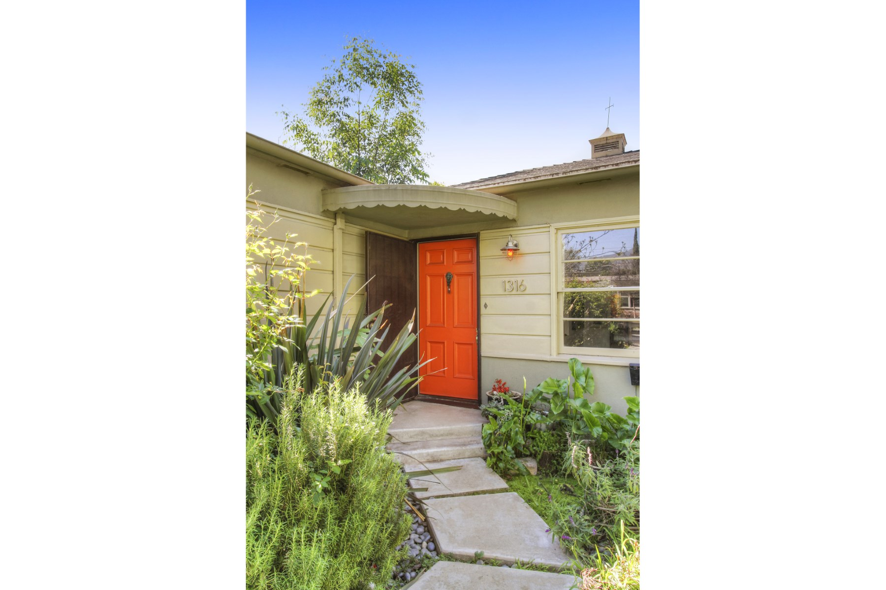 Single Family Home for Sale at 1316 Randall Street Glendale, California, 91201 United States