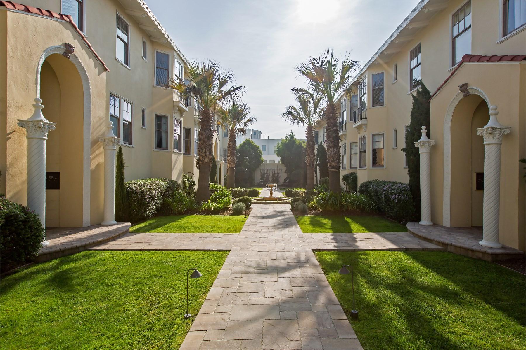 Condominio por un Venta en Fabulous Francisco Palms 1251 Francisco St Marina, San Francisco, California 94123 Estados Unidos