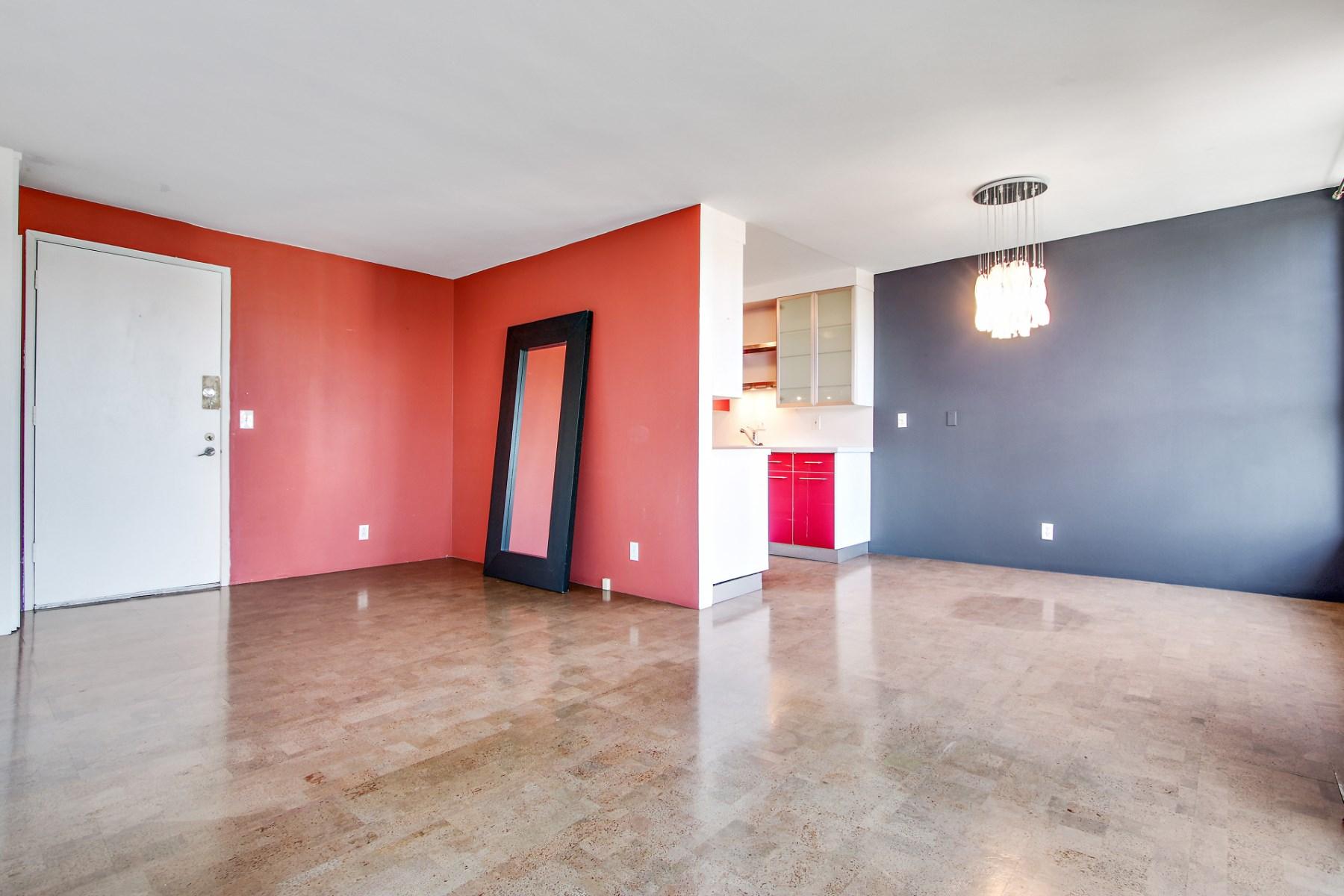 Property Of 525 North Sycamore Avenue #332