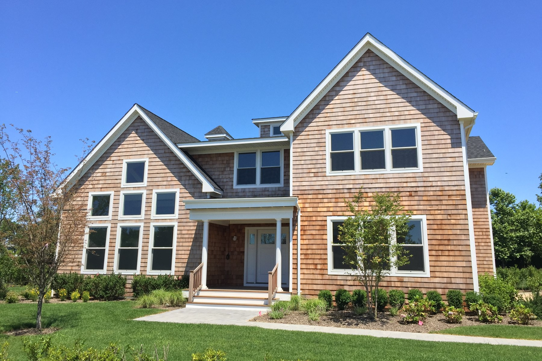 Villa per Vendita alle ore Southampton Meadows Estates - T Model 5 Fall Court, Lot 19 T- Model Southampton, New York, 11968 Stati Uniti