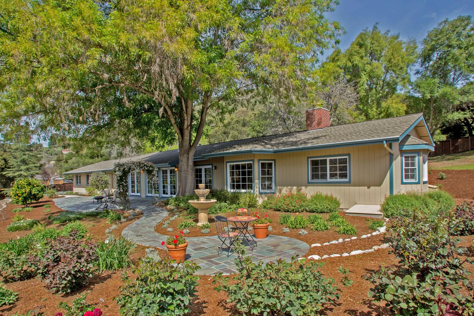 Moradia para Venda às Exquisite Spacious Valley Home 153 El Caminito Road Carmel Valley, Califórnia 93924 Estados Unidos