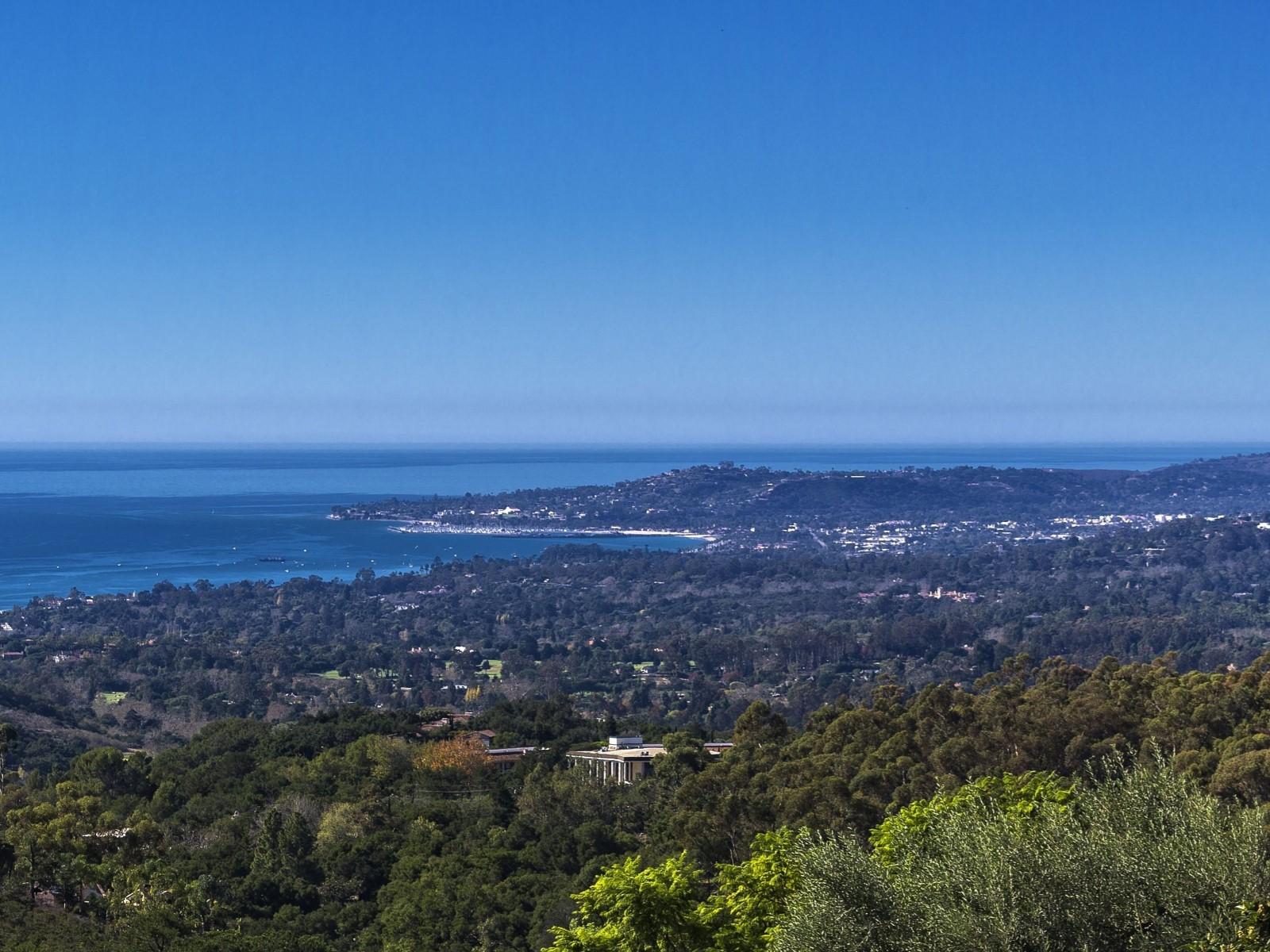 Maison unifamiliale pour l Vente à Montecito Panoramic Views 3055 Hidden Valley Lane Montecito - Upper Village, Montecito, Californie 93108 États-Unis