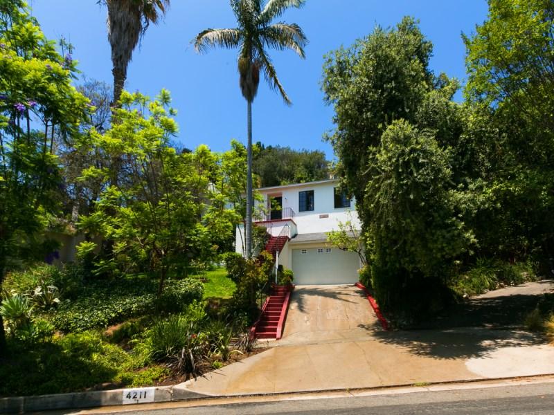 Vivienda unifamiliar por un Venta en 4211 Cromwell Ave Los Feliz, Los Angeles, California 90027 Estados Unidos