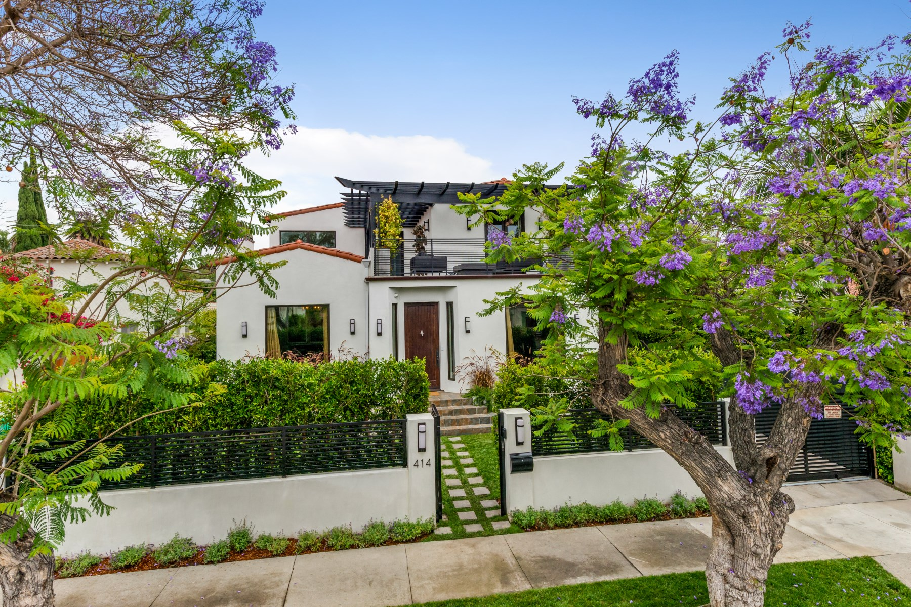 Single Family Home for Sale at Light and Bright Spanish Style 414 North La Jolla Avenue Beverly Center, Los Angeles, California 90048 United States