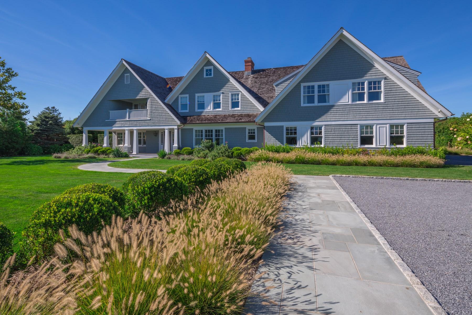 Частный односемейный дом для того Продажа на Meticulous Design Near Ocean Bridgehampton South, Bridgehampton, Нью-Йорк, 11932 Соединенные Штаты