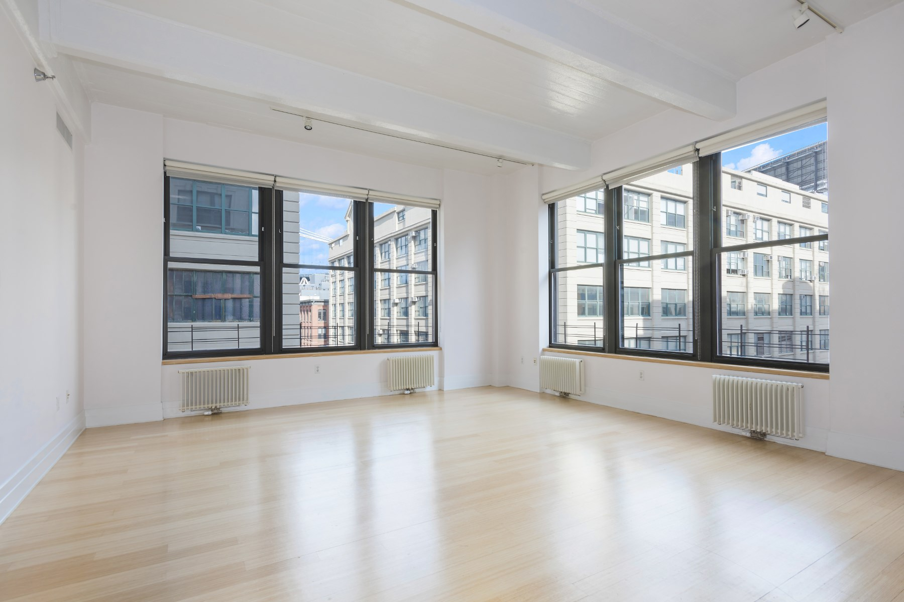 Property For Sale at Exquisite Sun-filled Dumbo Loft