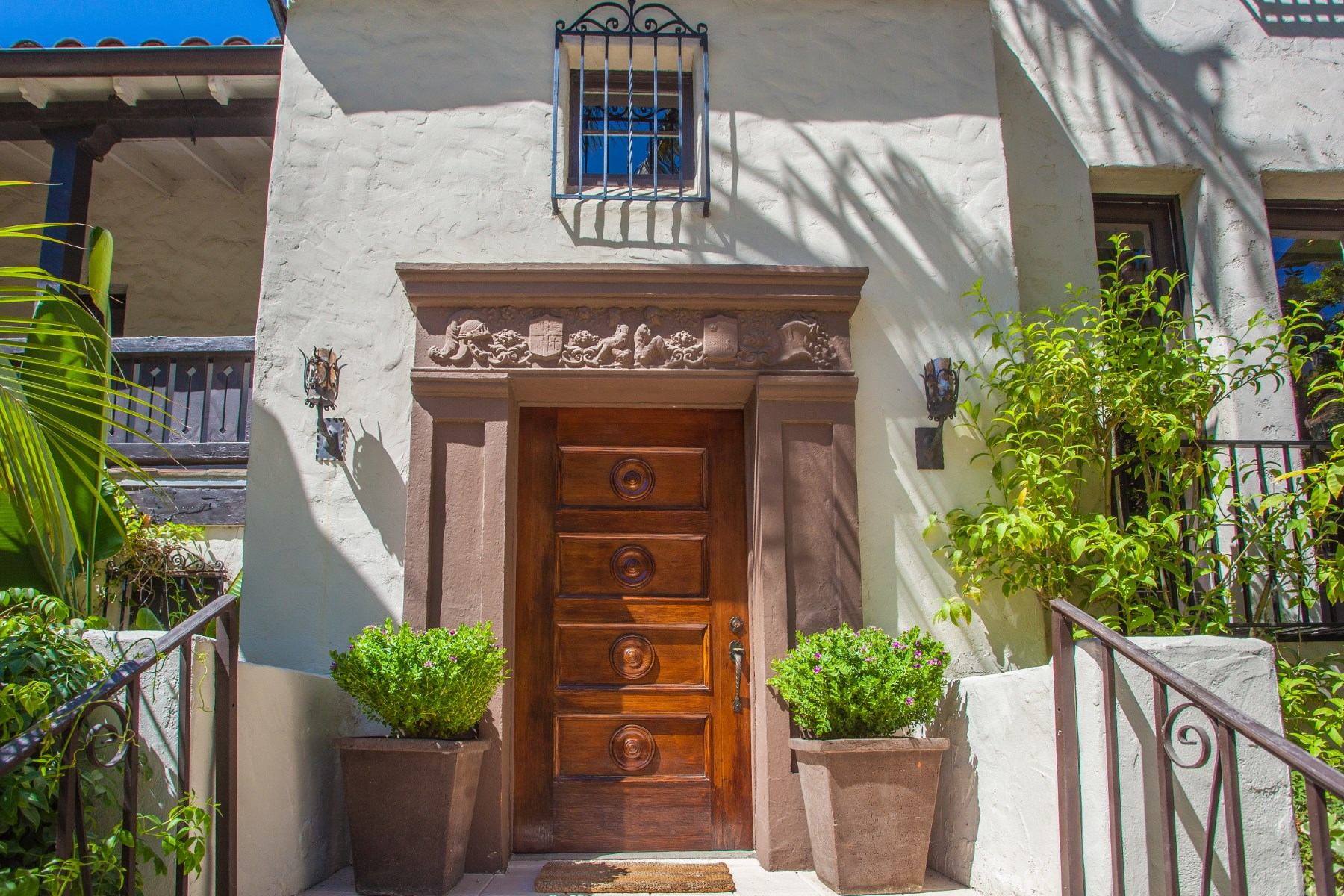 Single Family Home for Sale at 3311 Ledgewood Drive Hollywood Hills, Los Angeles, California, 90068 United States