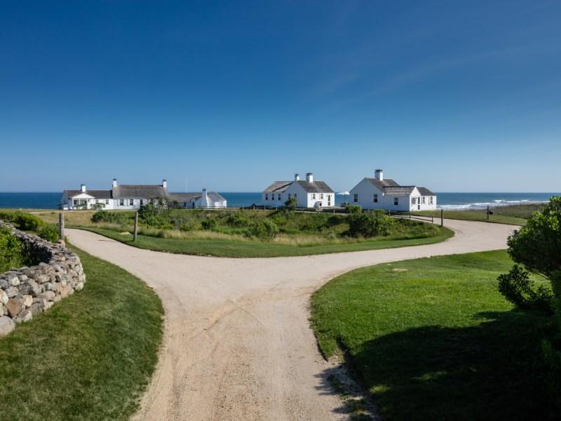Maison unifamiliale pour l Vente à Eothen Over 30-Acre Oceanfront Montauk, New York 11954 États-Unis