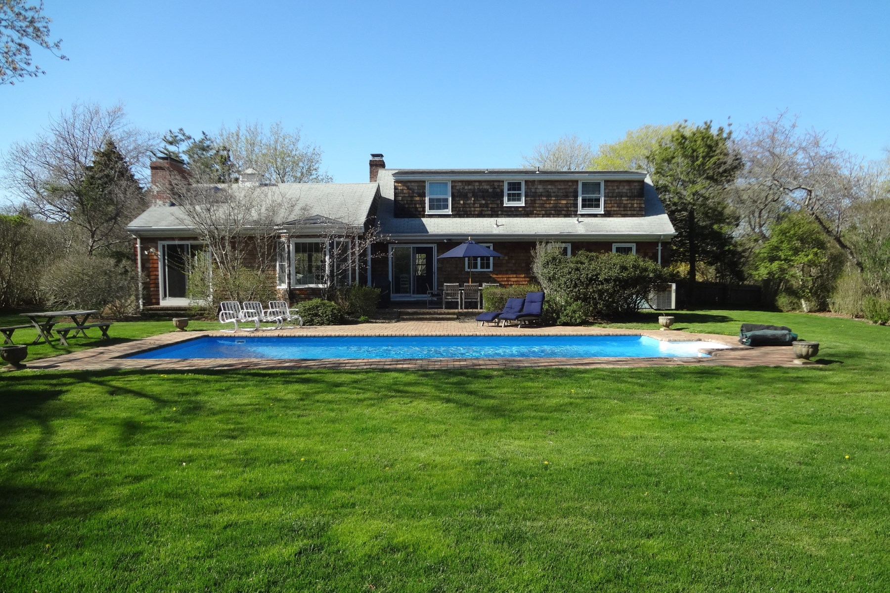 Property Of South of Highway with Private Pool