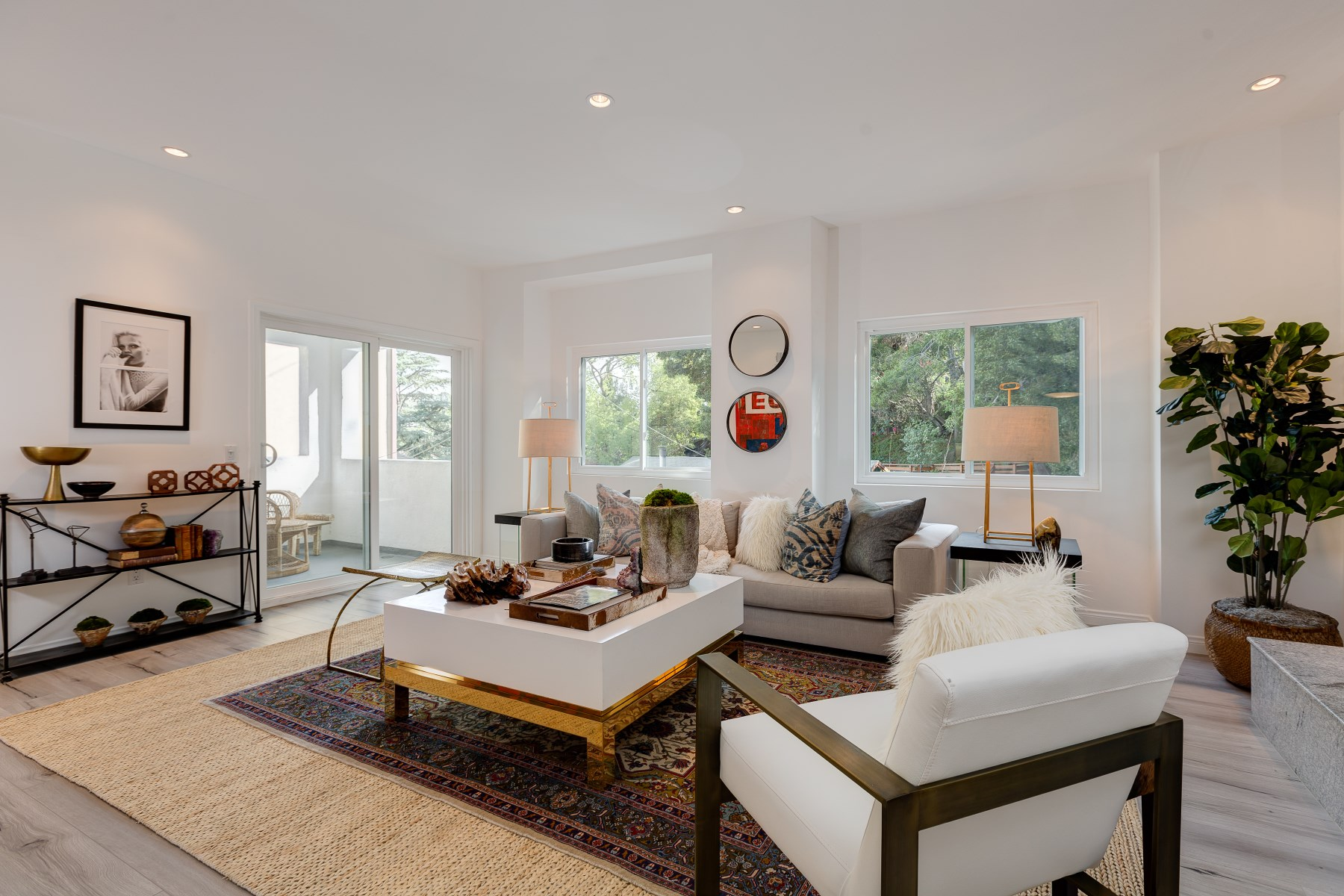 Single Family Home for Sale at 3866 Udell Court Los Feliz, Los Angeles, California, 90027 United States