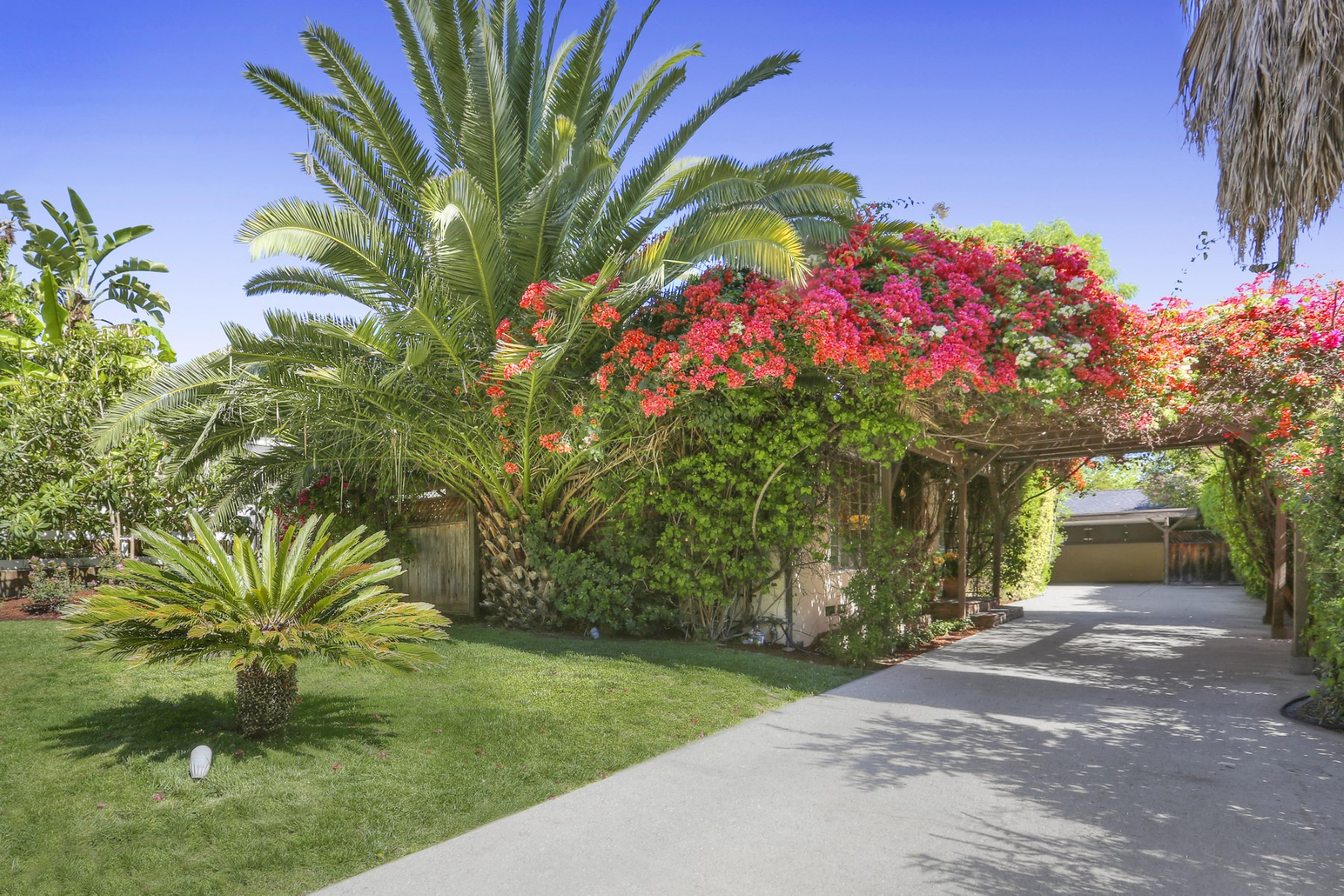 Tek Ailelik Ev için Satış at 3731 Evans Street Los Feliz, Los Angeles, Kaliforniya, 90027 Amerika Birleşik Devletleri