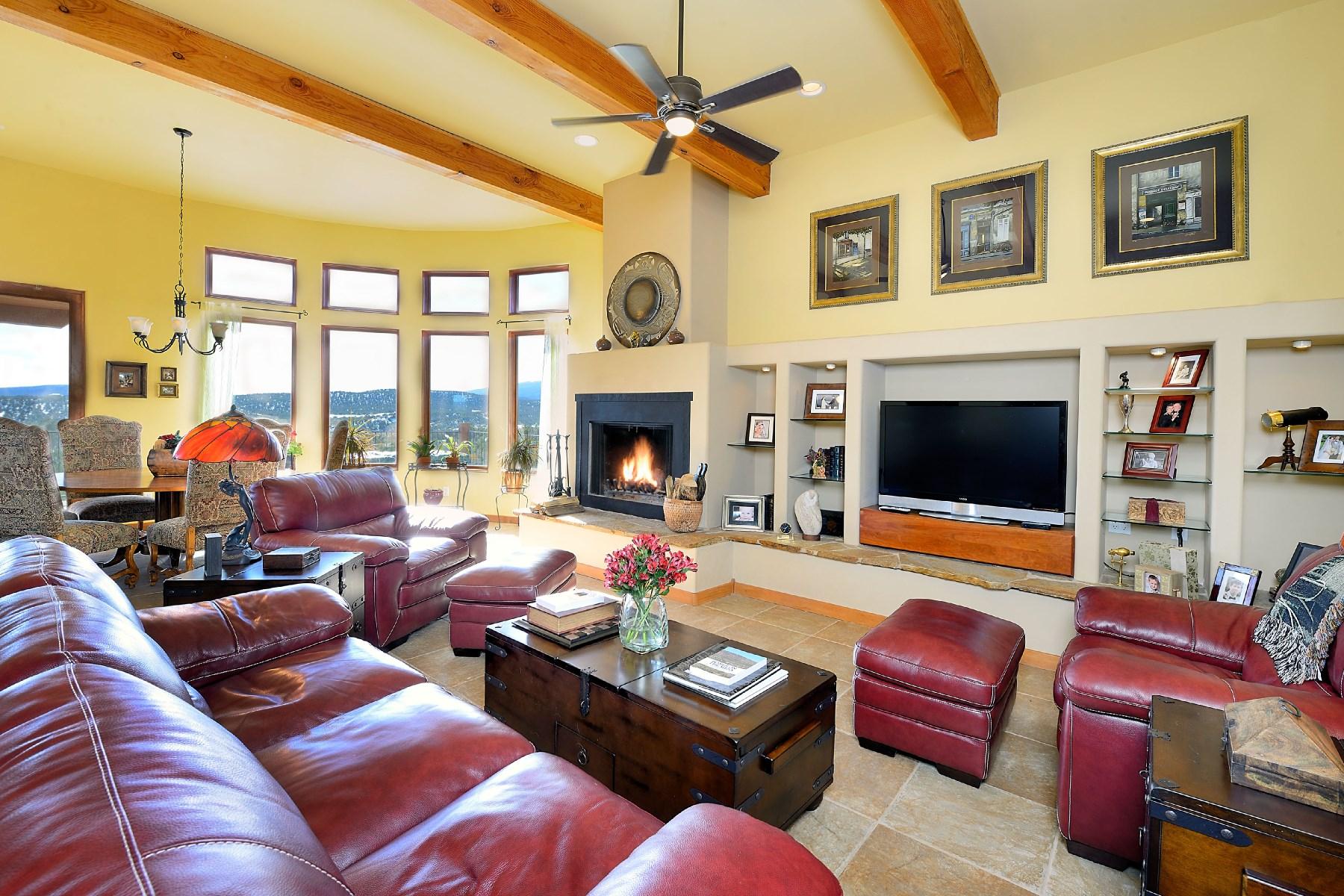 Nhà ở một gia đình vì Bán tại 2 Shelu Court, Sandia Park 2 Shelu Ct Sandia Park, New Mexico 87047 Hoa Kỳ