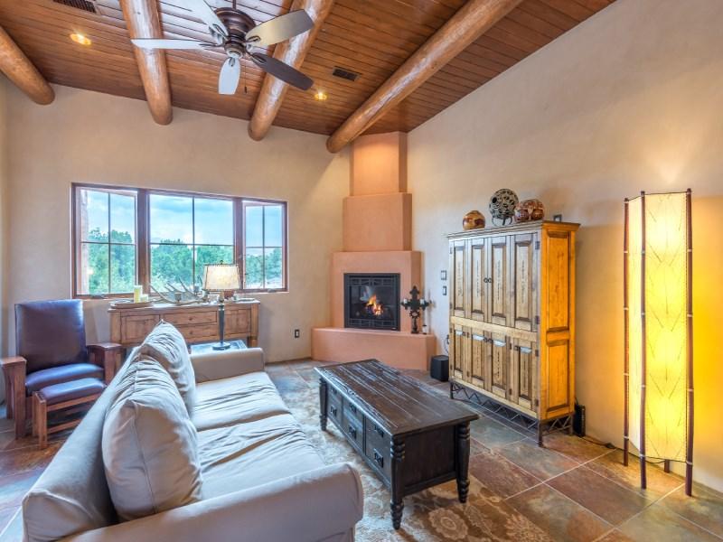 Maison unifamiliale pour l Vente à 18 Camino Barranca Santa Fe, New Mexico 87507 États-Unis