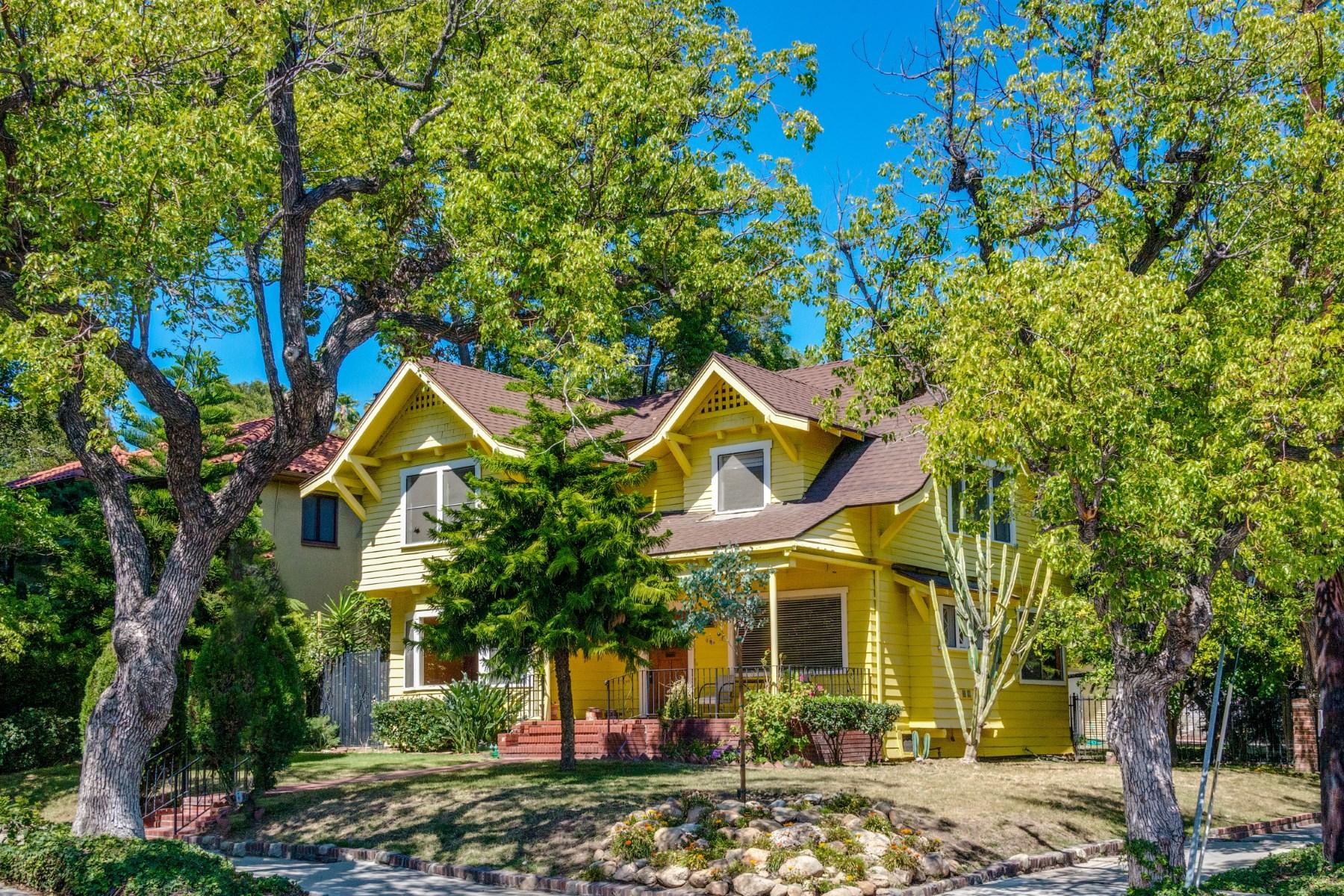 Einfamilienhaus für Verkauf beim First Time on the Market in 50+ Years 2102 North Bronson Avenue Los Angeles, Kalifornien 90068 Vereinigte Staaten