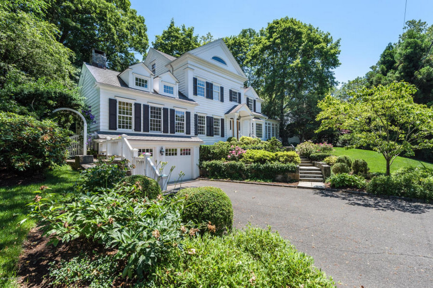 Single Family Home for Sale at Coveted Riverside 19 Stoney Ridge Lane Riverside, Connecticut 06878 United States