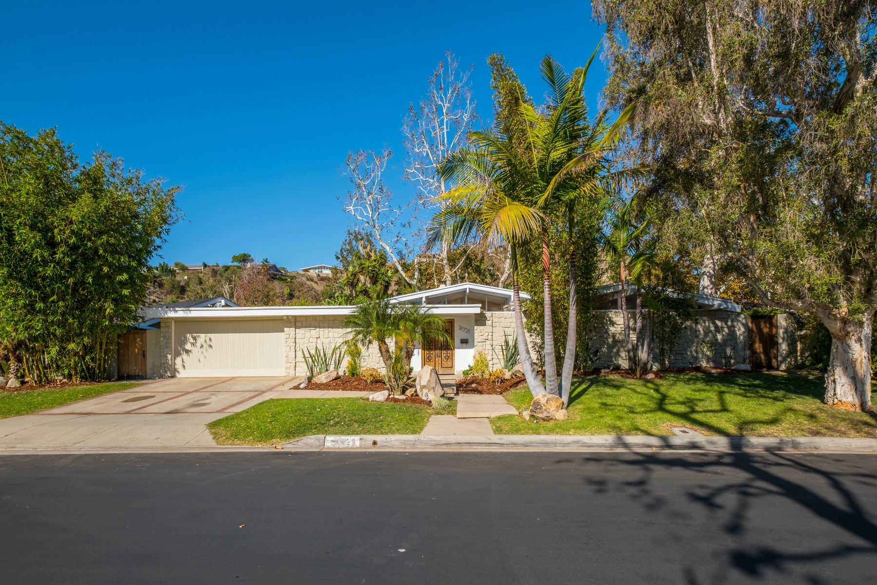 一戸建て のために 賃貸 アット Stunning Abode in Malibu West 30725 Manzano Drive Malibu, カリフォルニア, 90265 アメリカ合衆国