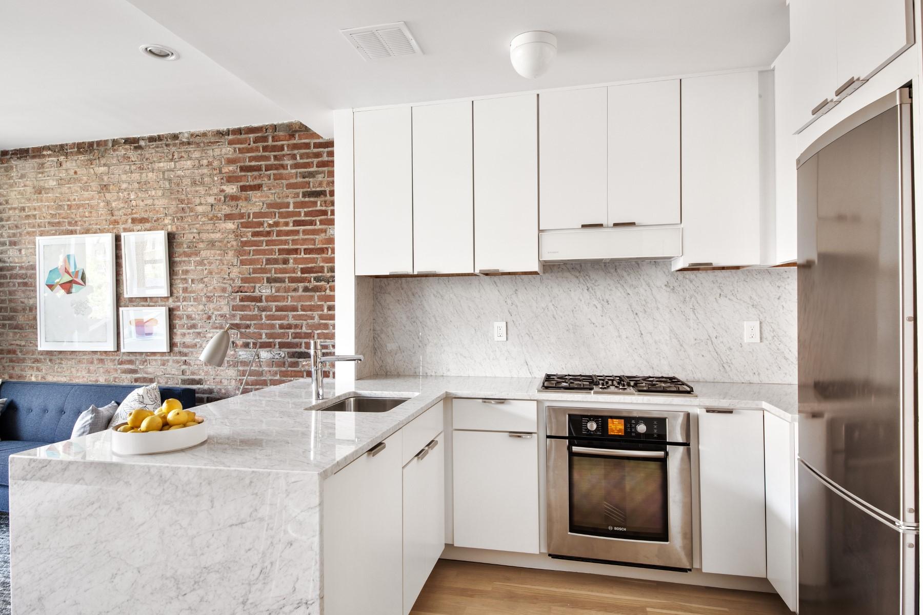Appartement en copropriété pour l Vente à 192 Lenox Avenue, Unit 3B New York, New York 10026 États-Unis