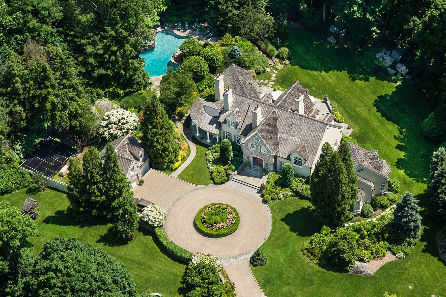 Single Family Home for Sale at 113 Round Hill Road, Greenwich CT South Of Parkway, Greenwich, Connecticut, 06830 United States