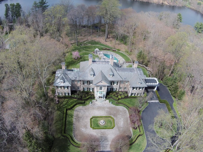 Single Family Home for Sale at Elegant Greenwich Georgian South Of Parkway, Greenwich, Connecticut 06830 United States