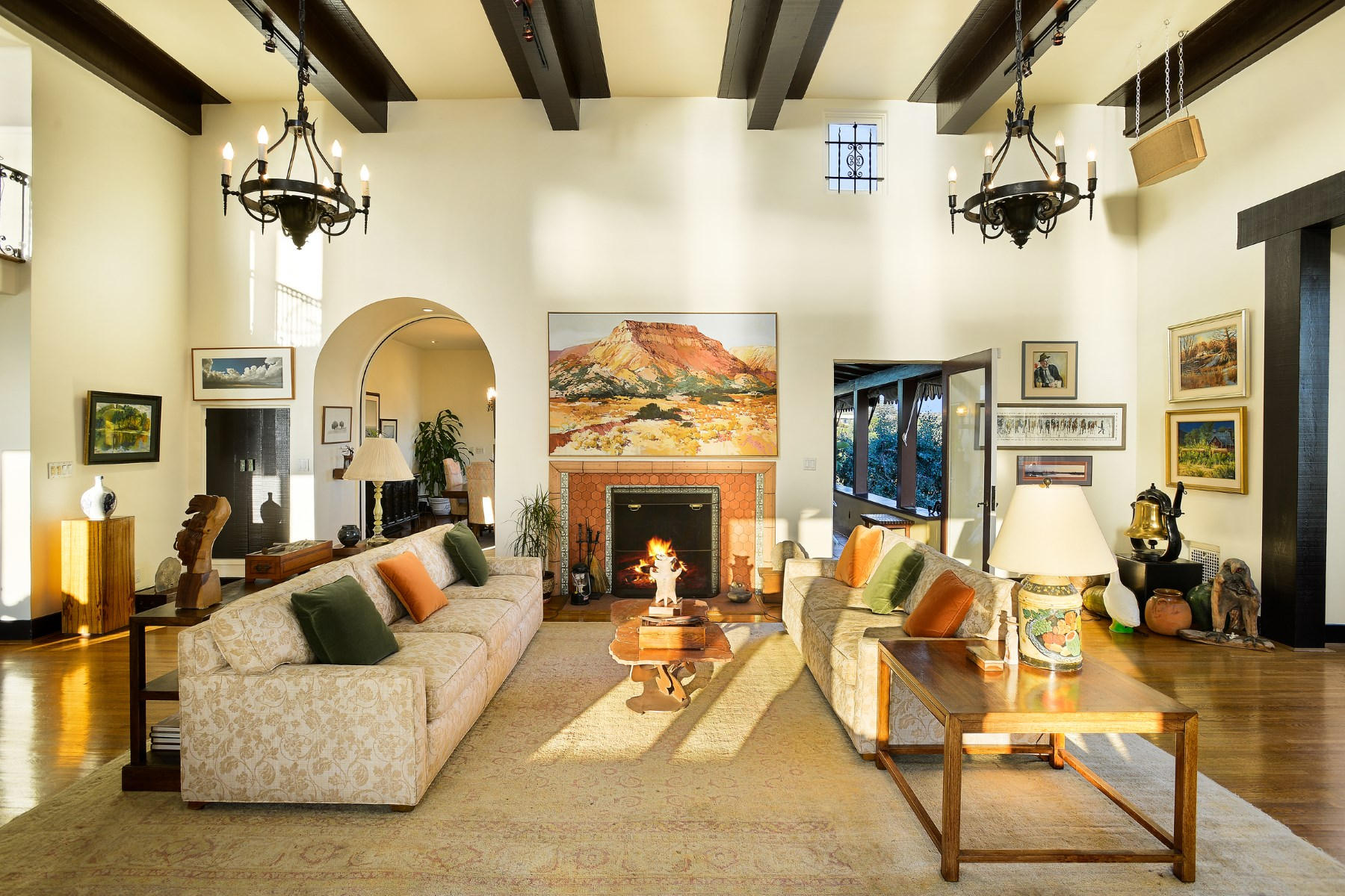独户住宅 为 销售 在 2763 Glendower Avenue Los Feliz, 洛杉矶, 加利福尼亚州, 90027 美国