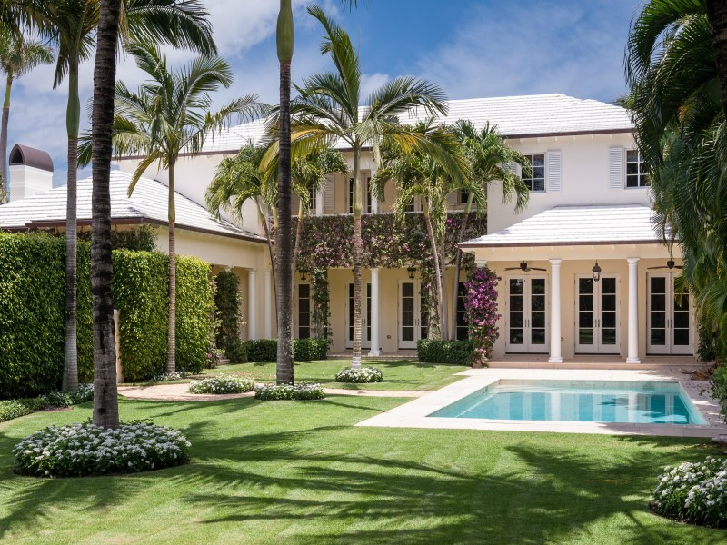 Maison unifamiliale pour l Vente à Palm Beach Perfection 201 Via Linda North End, Palm Beach, Florida 33480 États-Unis
