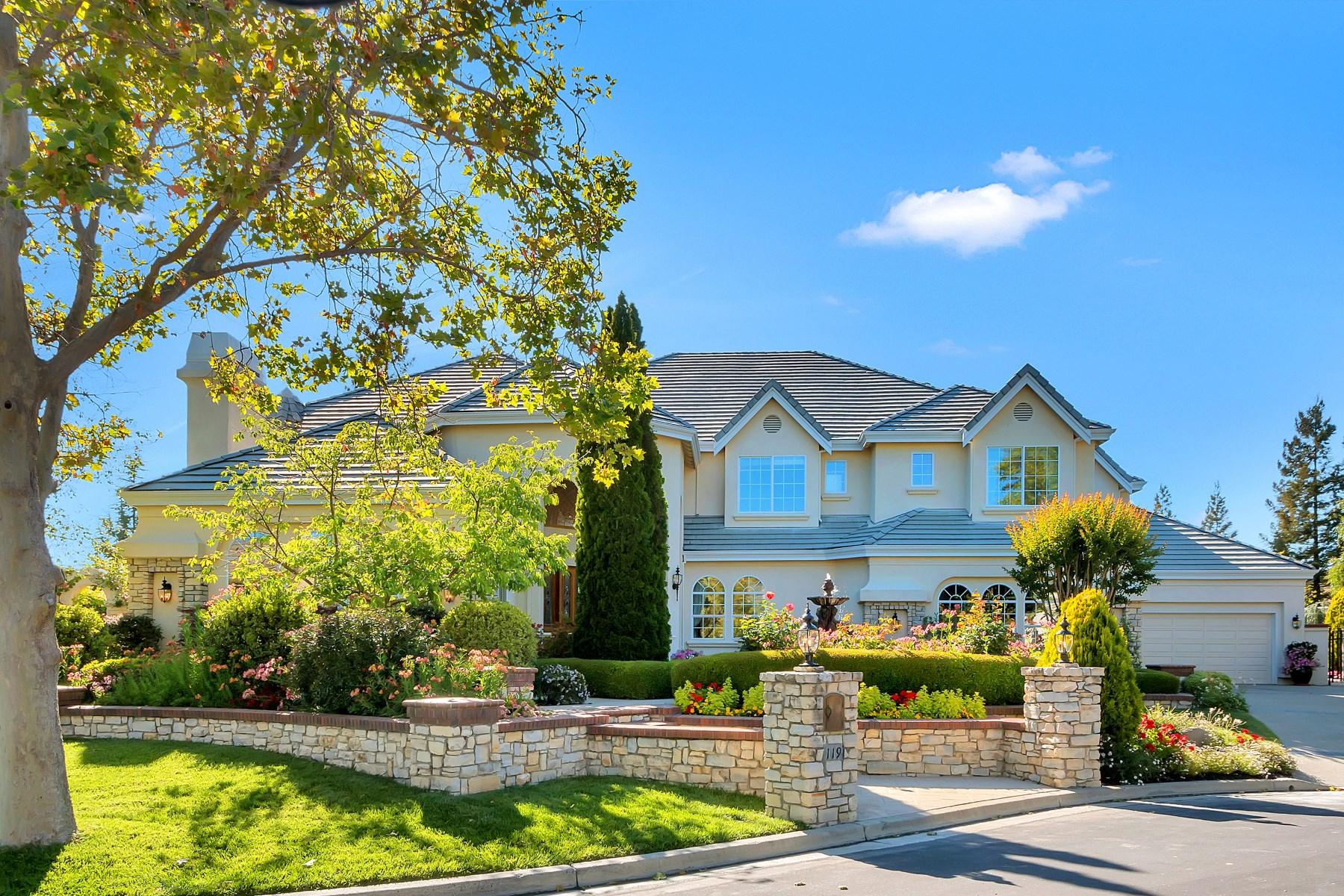Casa para uma família para Venda às A Traditional Masterpiece 119 Deer Ridge Pl Danville, Califórnia 94506 Estados Unidos