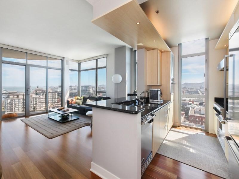 Condomínio para Venda às Stunning Panoramic View Penthouse 239 Brannan St Unit 18e South Beach, San Francisco, Califórnia 94107 Estados Unidos